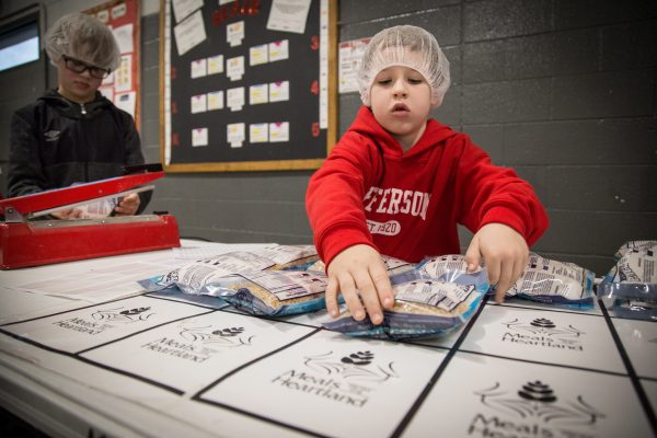 Students Create 20,000 Packages for Meals From the Heartland